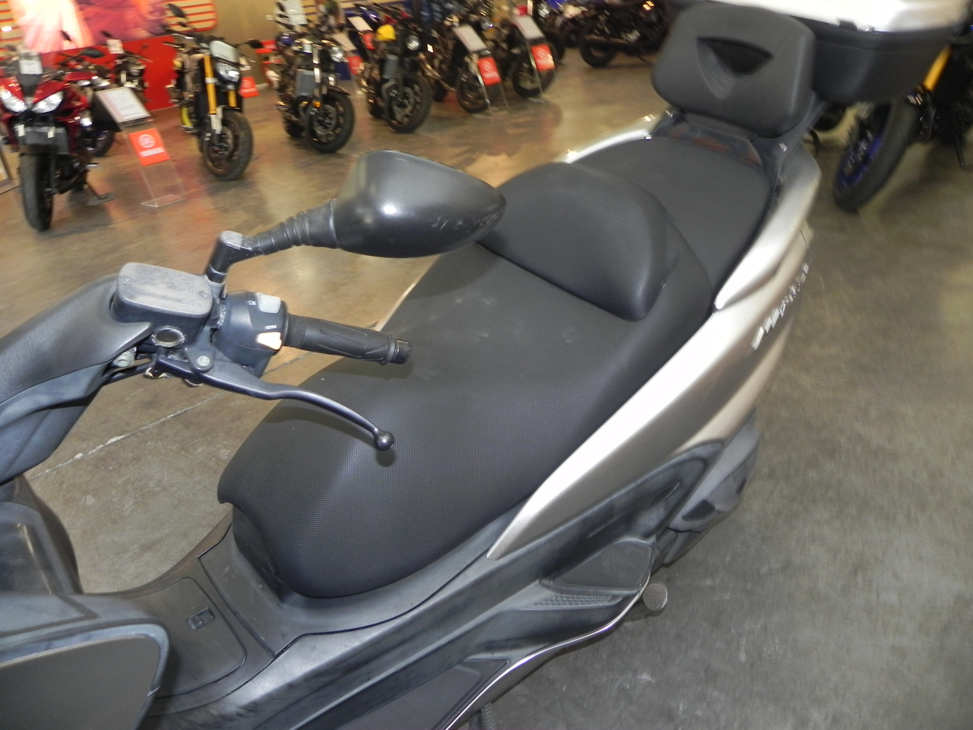 photo de YAMAHA MAJESTY 400 400 occasion de couleur  en vente �  Royan